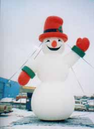 Giant 3 ball snowman balloon. One of our most popular Christmas balloons.
